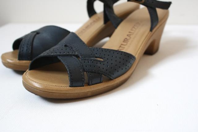 naturalizer sandals vintage